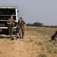 الاحتلال يعتقل 3 شبان اجتازوا حدود غزة
