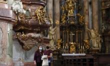 حجرات زجاجية في كنائس كندا لاستئناف الصلوات