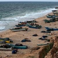 مقتل صيادَين غزيين وإصابة ثالث برصاص الجيش المصري