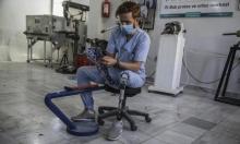 شاب سوري يساعد المبتورين بإنتاجه الأطراف الصناعيّة