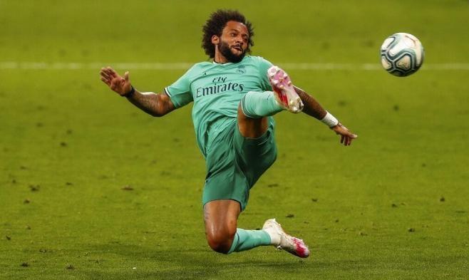 ريال مدريد يعلن إصابة نجمه قبل ملاقاة بيتيس