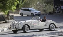 """فلسطيني صنع مركبة كلاسيكية من """"لا شيء"""""""