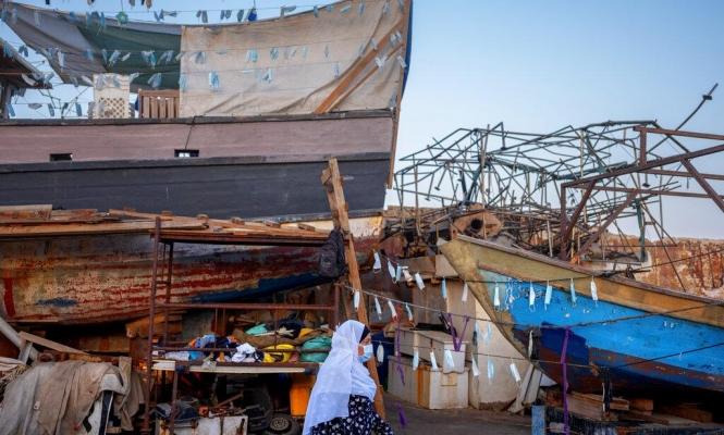 ميناء يافا يتزيّن بالكمامات