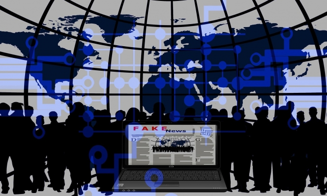 """تقرير يكشف إفساح """"فيسبوك"""" المجال لمروجي أخبار مضللة بشأن المناخ"""