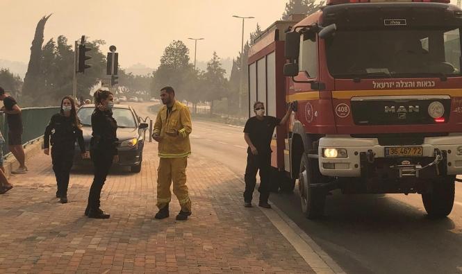 حريق جبال الناصرة ما يزال مشتعلًا وتحذير في الرينة وإكسال