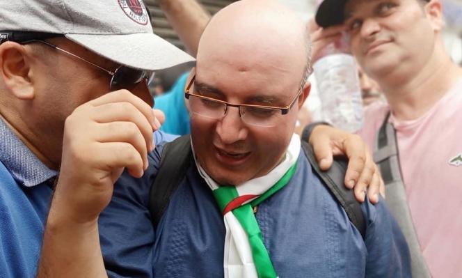 """بتهمة """"التحريض على التجمهر"""": محكمة جزائريّة تُغرّم صحافيًا مُعارضًا"""