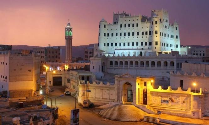 أشهر قصور اليمن يواجه خطر الانهيار