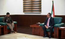 تسليم البشير يقترب: مباحثات مكثفة لبنسودا في الخرطوم