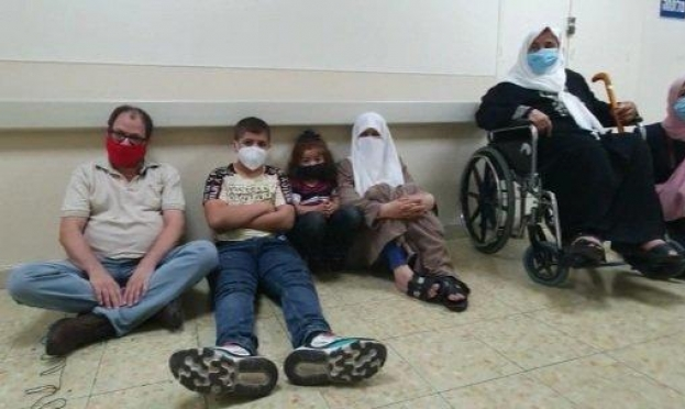 عائلة الأسير الأخرس تعلن إضرابها المفتوح عن الطعام