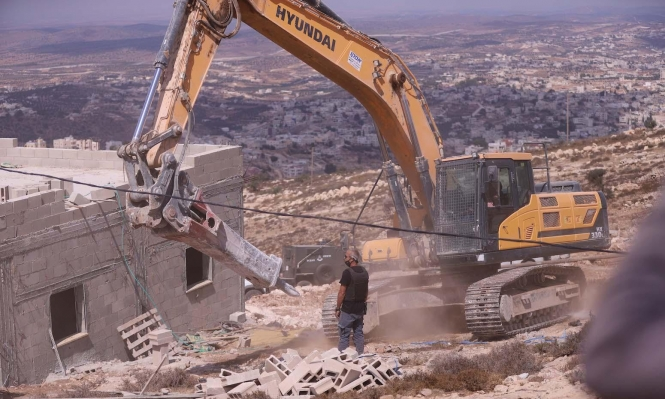 الاحتلال يهدم منزلا بالخليل ويأخذ قياسات مسجد في جنين