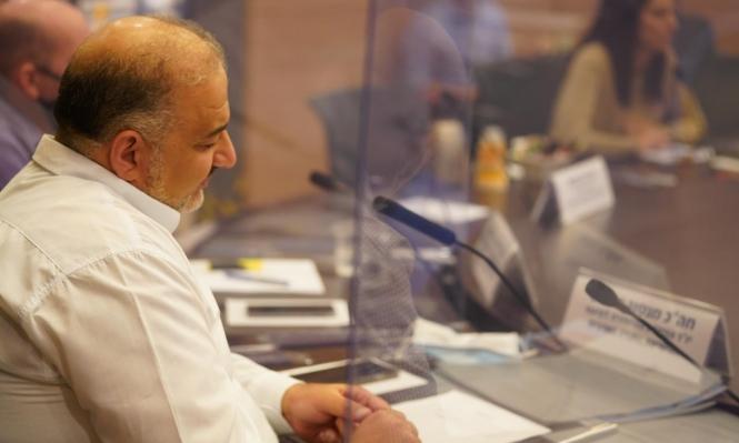 منصور عباس لاعب متمرن في ملعب المحترفين