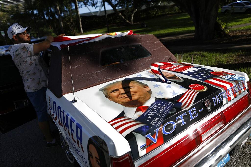 محبو ترامب في فلوريدا (أ ب)
