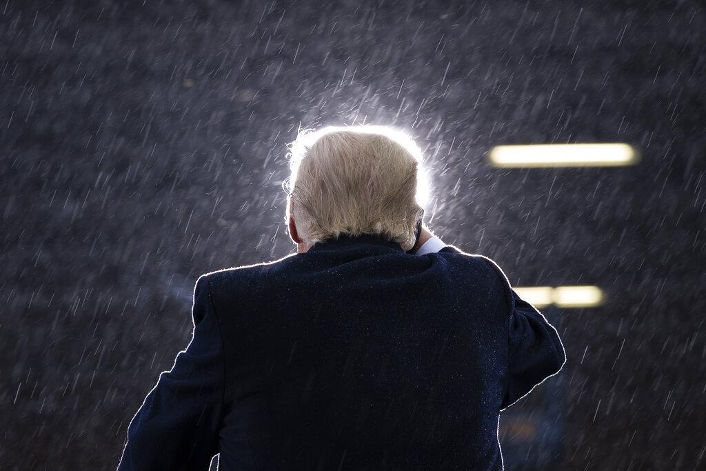 تشومسكي: ترامب أسوأ من هتلر وستالين