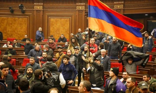 الشرطة الأرمينية تستعيد السيطرة على البرلمان ومقر الحكومة في يريفان