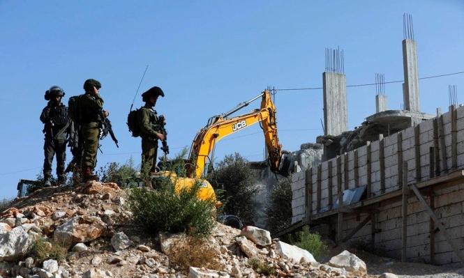 الاحتلال يهدم منزلا ومنشآت في الولجة