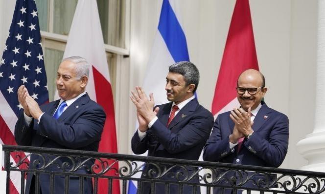 لماذا أعادت السُّلطة السفيرين الفلسطينييْن إلى الإمارات والبحرين؟