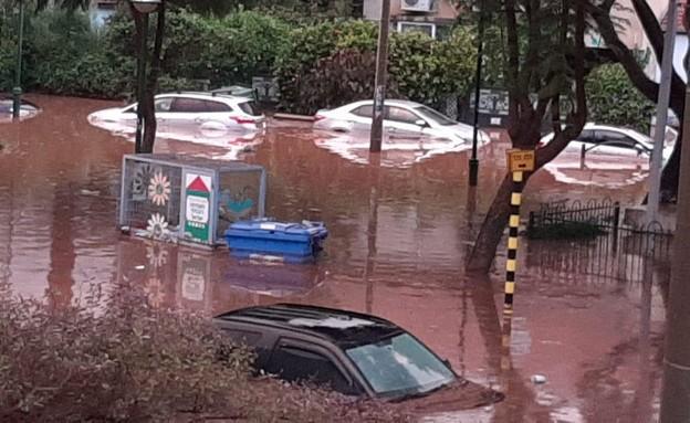 الأمطار تكشف هشاشة البنى التحتية: فيضانات وعشرات العالقين