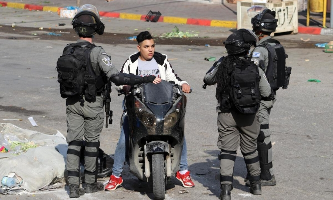 الاحتلال ينكل بشبّان فلسطينيين على حاجز عسكري جنوب بيت لحم