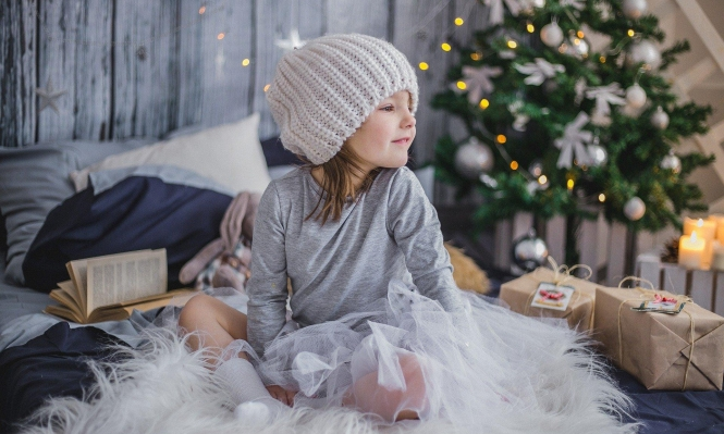 """""""الصحة العالمية"""" توصي باحتفالات عائلية ضيّقة بعيد الميلاد"""