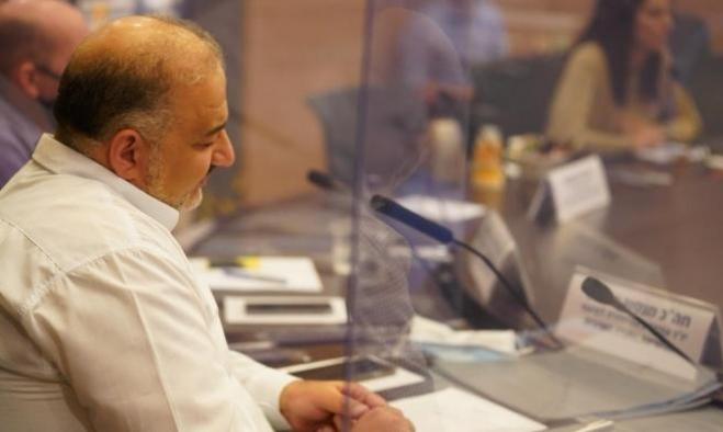 استطلاعان: غالبية المجتمع العربي ضدّ تعاون عباس - نتنياهو