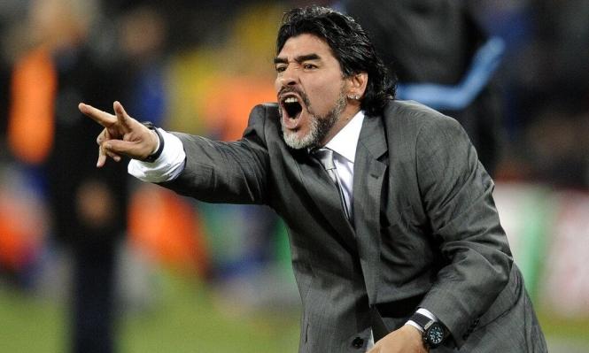 """وفاة مارادونا: أزمة قلبية أم """"عدم اهتمام""""!"""