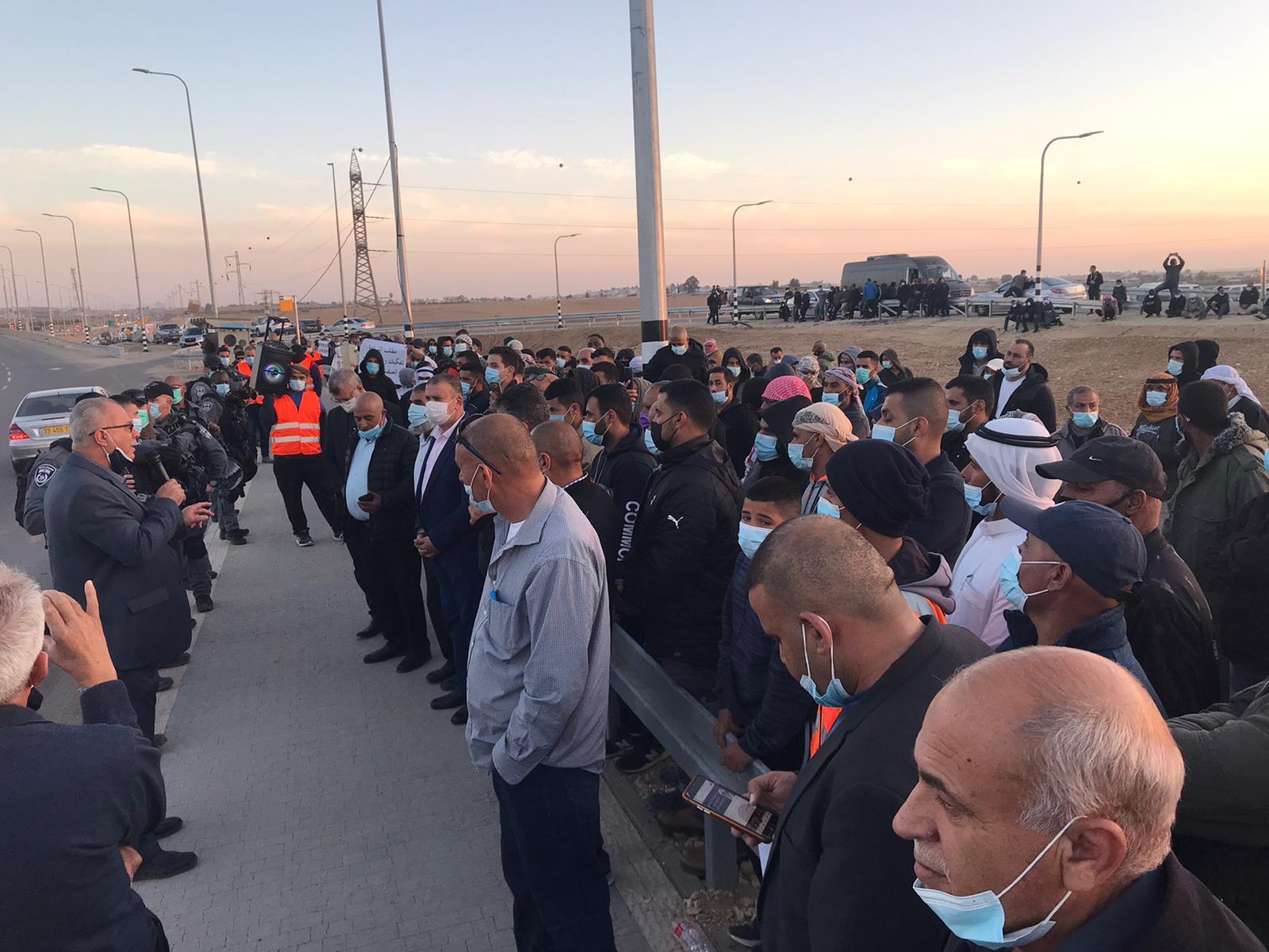 وقفات احتجاجية حاشدة ضد سياسة الهدم والمصادرة في النقب