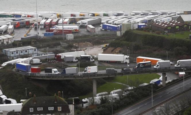 تعطيل حركة النقل مع بريطانيا تحسبا من طفرة كورونا