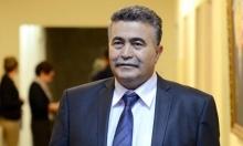 بيرتس يتنحى عن رئاسة حزب العمل