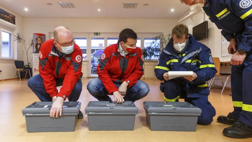 كورونا عالميًّا: بكين تُعلن حالة الطوارئ وتحذير من لقاحات وهمية في أوروبا