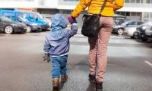اعتقال والدة من عرب العرامشة بشبهة ترك طفلها بالسيارة