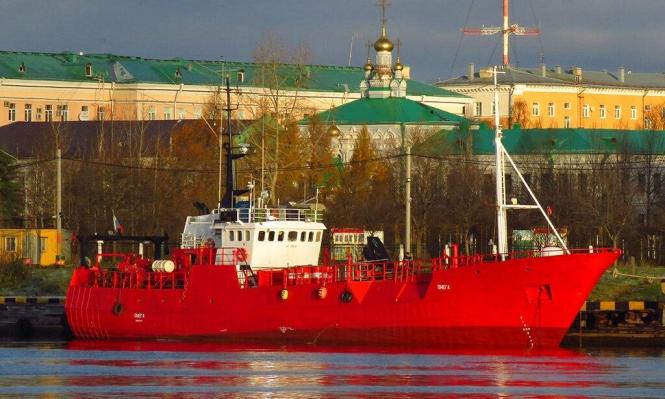 غرق سفينة صيد روسية على متنها 17 بحارًا في القطب الشمالي