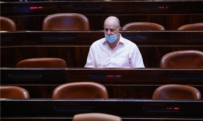 """هنغبي يطالب ساعر بالتوقف عن """"مقاطعة"""" نتنياهو"""