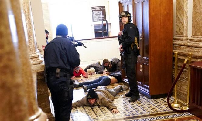 """""""إف بي آي"""" حذّر من اقتحام الكونغرس مُسبقا:""""استعدادات للحرب"""""""