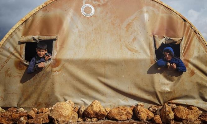 """الجو الماطر """"ضيفًا ثقيلًا"""" على مخيمات النازحين السوريّة"""
