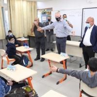 الوزير غالانت يمنع لقاء مؤسسات حقوقية مع الطلاب بالمدارس