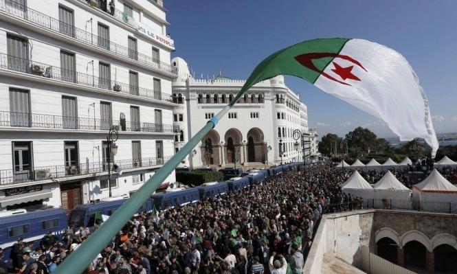 الحبس 18 شهرًا لناشطة في الحراك الجزائريّ