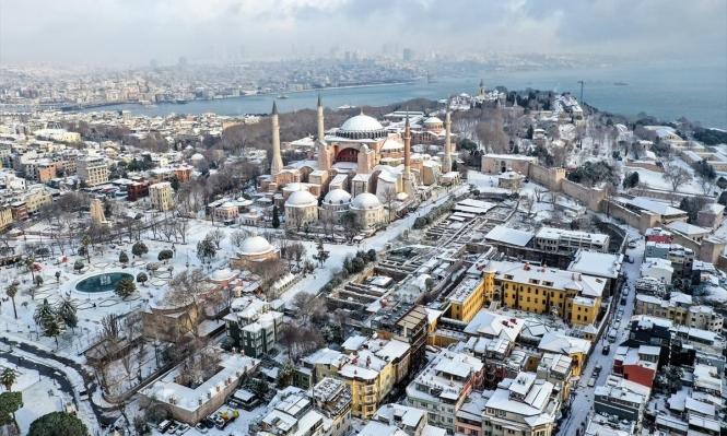 إسطنبول مكسوة بالثلج