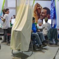 تطعيم 2.2 مليون شخص بالجرعة الأولى ضد كورونا بالبلاد