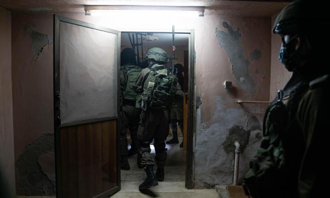 الاحتلال يعتقل عددا من الفلسطينيين بالضفة والقدس