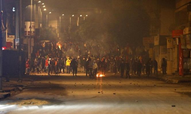 تونس: استمرار الاحتجاجات وأكثر من ألف معتقل وتفريق المتظاهرين