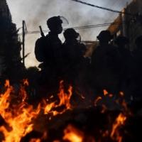 مواجهات ليلية بين الشرطة وحريديين يرفضون تعليمات كورونا
