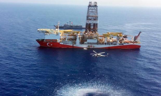 محادثات تركية ويونانية لتسوية أزمة شرق المتوسط