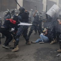 لبنان يستخدم أسلحة فرنسية لقمع الاحتجاجات السلمية
