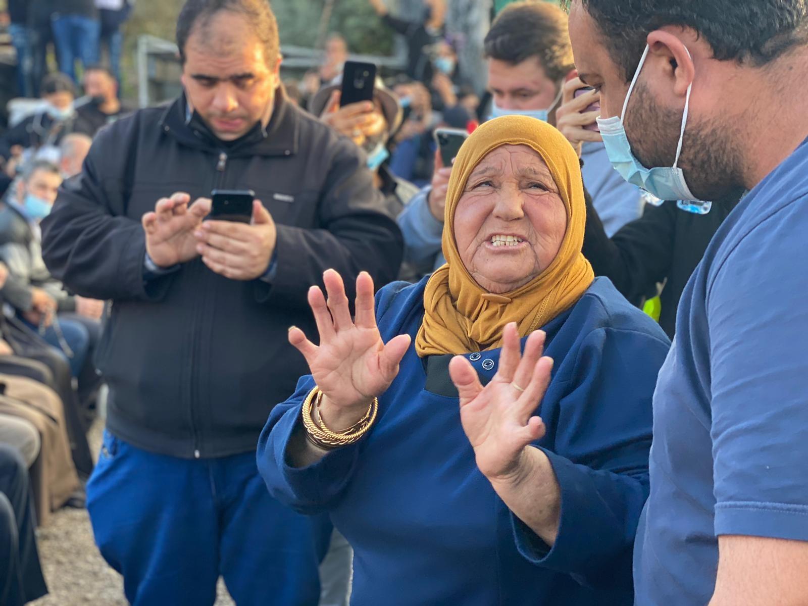 أم جبر، والدة الشهيد أحمد حجازي في المظاهرة اليوم