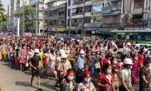 رغم الاعتقالات في بورما: عشرات آلاف يتظاهرون رفضا للانقلاب