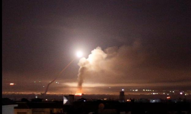 مقتل 6 أشخاص في القصف الإسرائيلي قرب دمشق