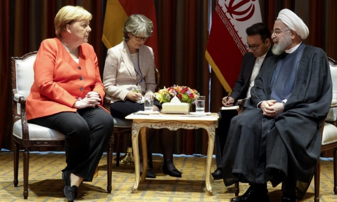 """ميركل تطالب روحاني بـ""""إشارات إيجابية"""" والأخير يؤكد مواصلة خفض التعهدات"""