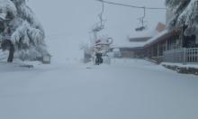 شاهد | الثلوج تتراكم في جبل الشيخ
