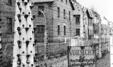 أميركا تسلّم ألمانيا حارسا نازيا يبلغ 95 عامًا للاستجواب