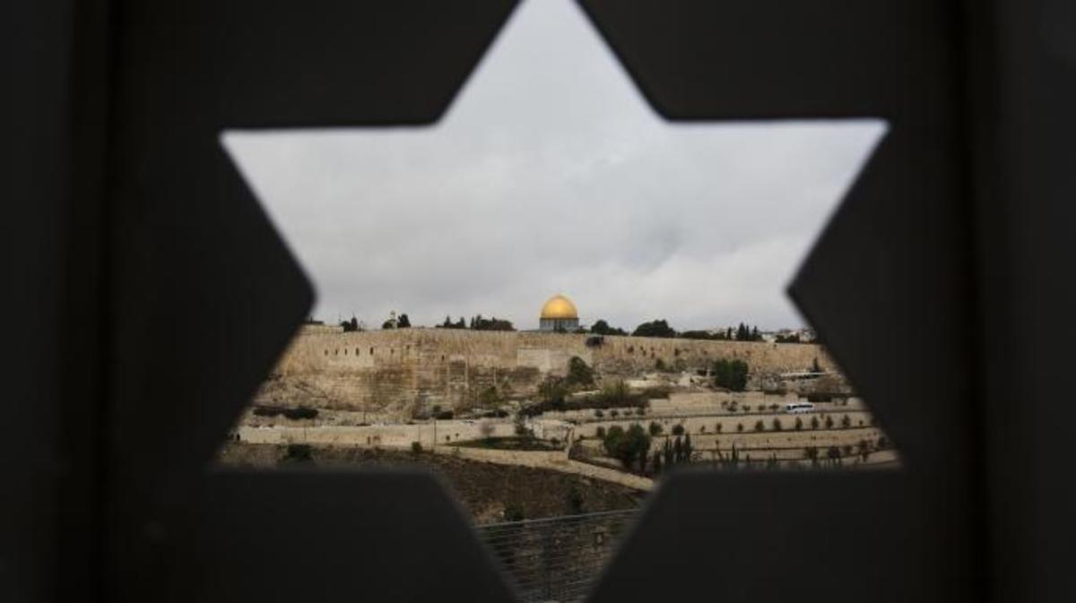 إسرائيل تفرض المحاكم الدينية على العلمانيين العرب (أ ب)